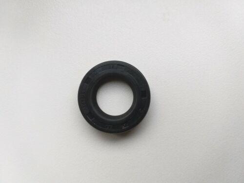 Single lip oil seal 17x30x7 mm