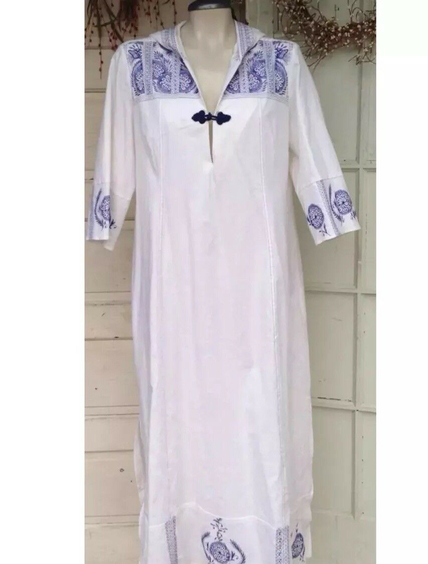 Soft Surroundings Caftan Hooded White Maxi Dress blueee Embroidery Linen Sz Medium