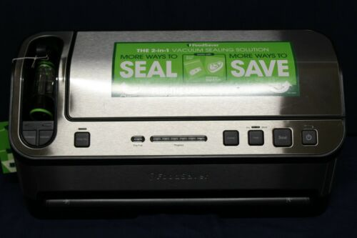 FOODSAVER V4860 2 in 1 Stainless Steel Vacuum Sealing System with Bags D3