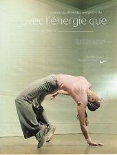 PUBLICITE ADVERTISING 045  2003  NIKE WOMEN  vetements de sport  COURS DE CARDIO