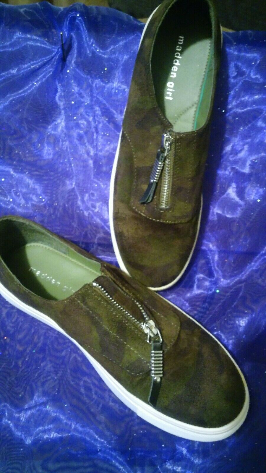 SZ 8.5 Camouflage Madden Girl Sneaker