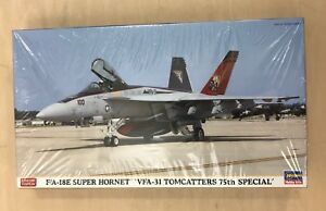 Hasegawa-F-A-18E-Super-Hornet-034-VFA-31-Tomcatters-75th-Special-034-1-72-Scale