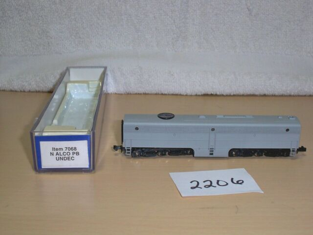 N Scale Life Like 7068 ALCO PB Undecorated Diesel Locomotive Unpowered