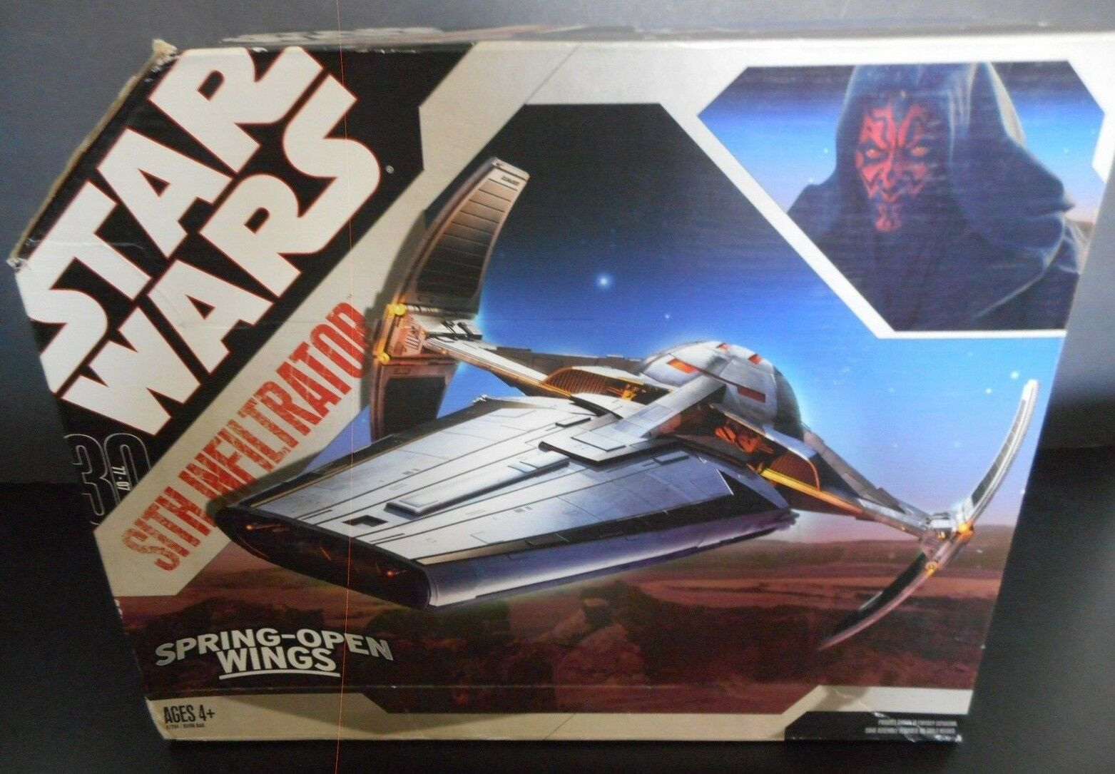 STAR WARS Sith Infiltrator 77-07 Spring Open Wings Starfighter Vehicle NIB 2006