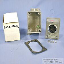 Russellstoll Covered Receptacle 15a 250v 3746u2