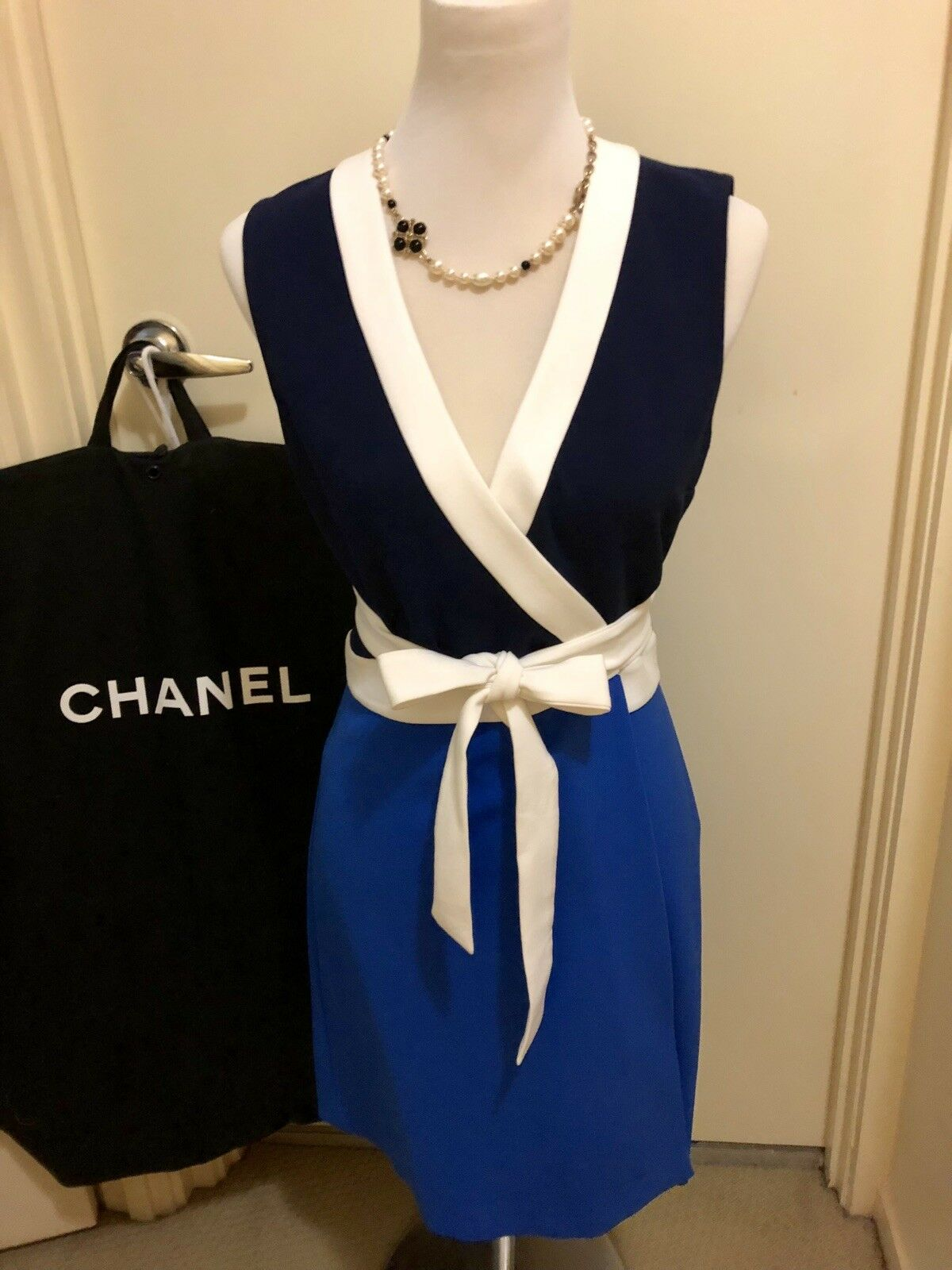 Worn ONCE Classy and Sexy DIANE VON FURSTENBERG  Gracie Dress Work To Party