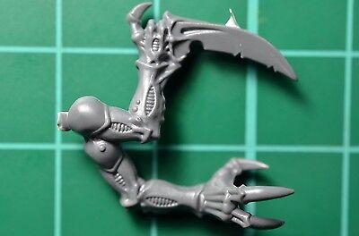 Amichevole Warhammer 40000-cult Genestealers-acolyte Hybrid-bras Double Griffe Et Main Qualità Eccellente
