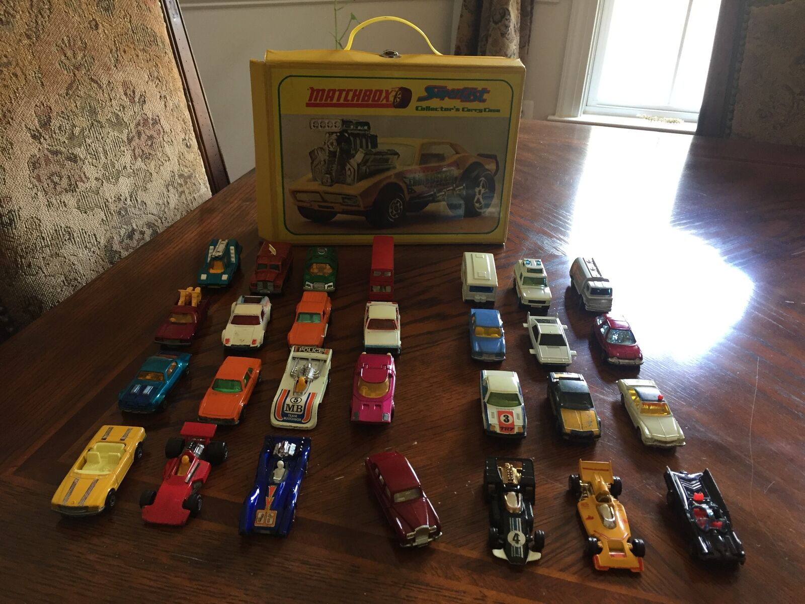 Ultra rare case with Rolls Royce  +  26 cars collection  70s  Matchbox   Corgie