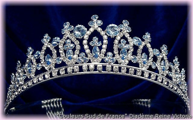 """Analytique Bijou De Tête Femme Diadème Mariage Mariée Miss Cristal Bleu """"reine Victoria"""" Paquet éLéGant Et Robuste"""
