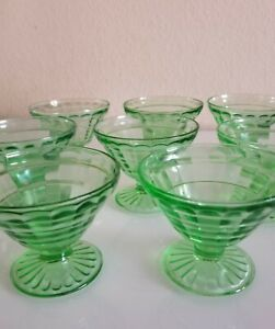 Set-of-8-Vintage-Glass-Green-Depression-Sherbet-dessert-footed-cups