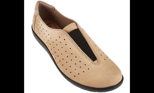 Clarks Burgundy Perforated Nubuck Leather Medora Gemma Slip On Shoes New