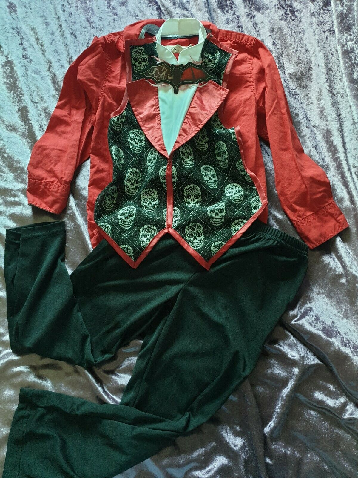 Boys Age 5-6/6-7 Vampire Halloween Dressing Up Outfit