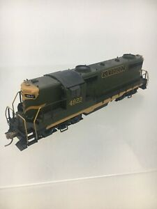 HO-Scale-Canadian-National-4822-Diesel-Locomotive-R2-Athearn