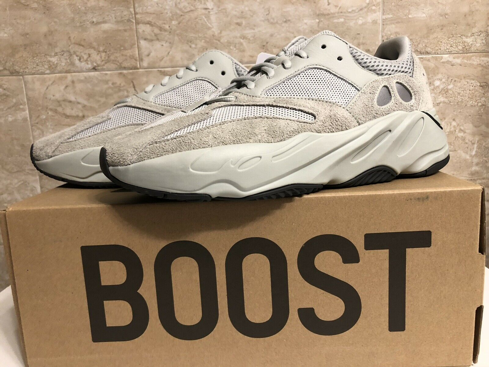 325e427bb Yeezy Boost 700 Salt Size 11 Adidas nxiobi2631-Athletic Shoes ...