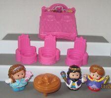 Fisher Price Little People Castle Li'L Kingdom  Figures and Furniture LOT