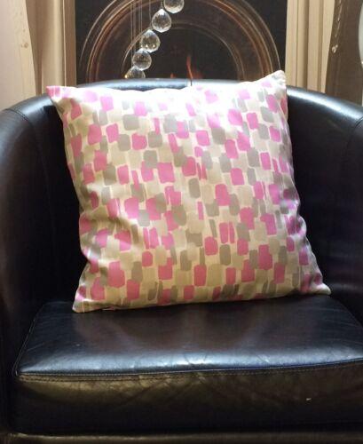 Rose gris et crème quadrilaterals Evans Lichfield Coussin Couverture