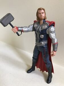 """2011 Marvel Studios : The Mighty Avenger THOR 8"""" Action Figure Toy w/hammer"""