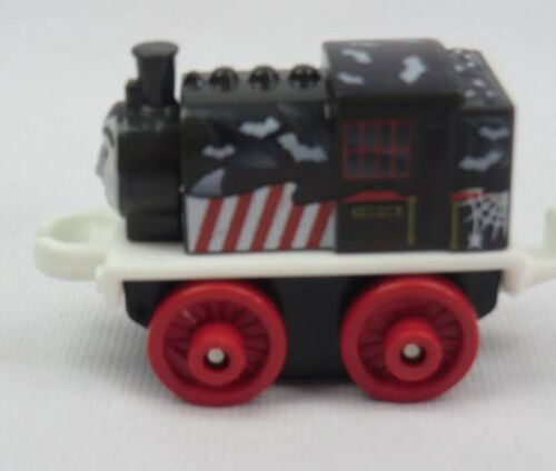 THOMAS /& FRIENDS Minis Train Engine 2015 SPOOKY PORTER New ~ Weighted