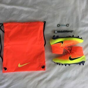 newest dde6b 4d884 Das Bild wird geladen Nike-Magista-Obra-SG-PRO-Orange-Gelb-STOLLEN