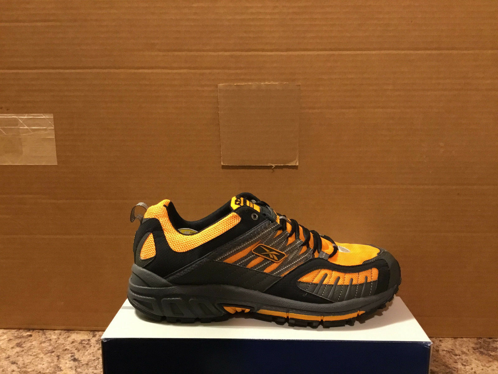 REEBOK PREMIER SWITCHBACK TR style152918 hommes Taille US10-BRAND NEW
