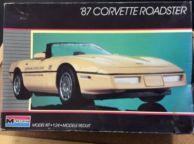 Red  Parts Tree Monogram 87 Corvette Roadster 1:24 Scale #2742  COMPLETE Trans