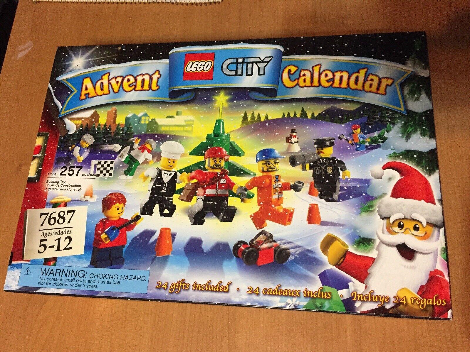 NEW LEGO 2009 CITY Advent Calendar Set 7687 Retirosso 24 Mini Set Christmas Gift
