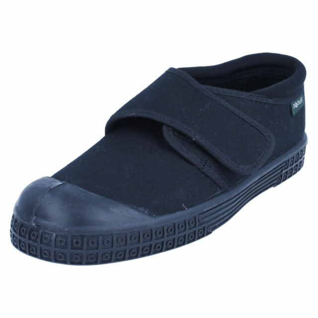 218450f63 Childrens Clarks Long Jump Black Canvas Plimsolls UK 2 EU 34 F ...