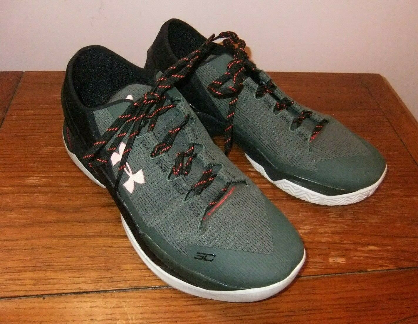 UNDER ARMOUR SC Charged Sneakers I Can