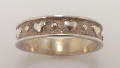925 STERLING SILVER RAISED HEART BAND RING 3.5 GR SZ 9 RT3