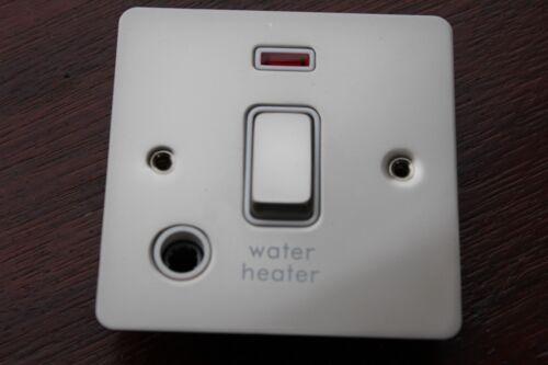 Obtenez GU 2214 whwpn 20AX DP Interrupteur Neon marqué chauffe-eau Perle Nickel Blanc Ins