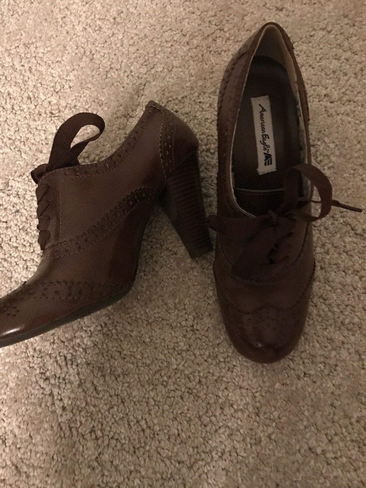 Brown ladies shoes Size 6 1/2 hardly worn