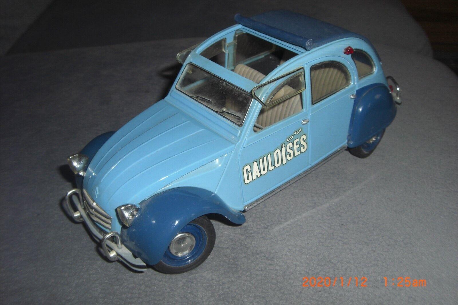 2 CV von  Solido Sondermodell Gauloises in Hellblau  1 18      siehe Bilder
