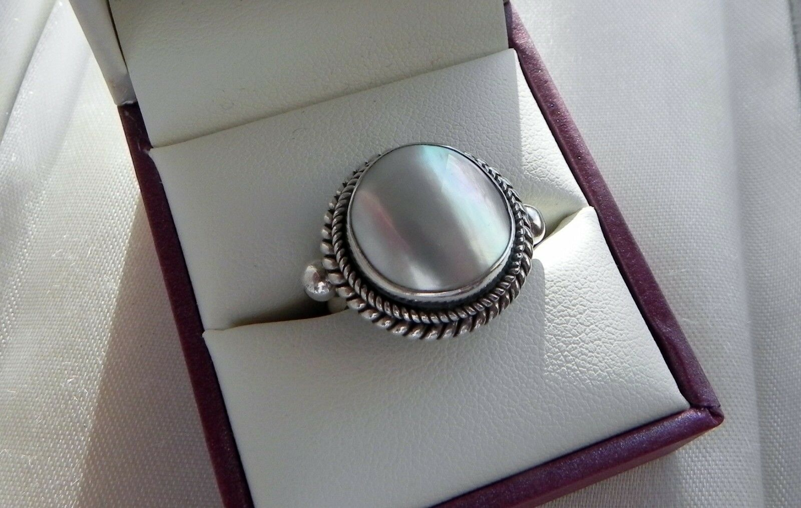 Divine  Large Bali BA 925 9g iridescent cabochon MOP ring size O (US 7.25)