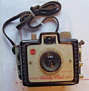 Vintage Kodak Brownie Holiday Flash Box Camera With Flash  Retro Good Condition
