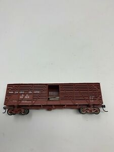 HO-Scale-Proto-2000-Boxcar-Kit-034-Northern-Pacific-034-NP-Stockcar-80163-D4