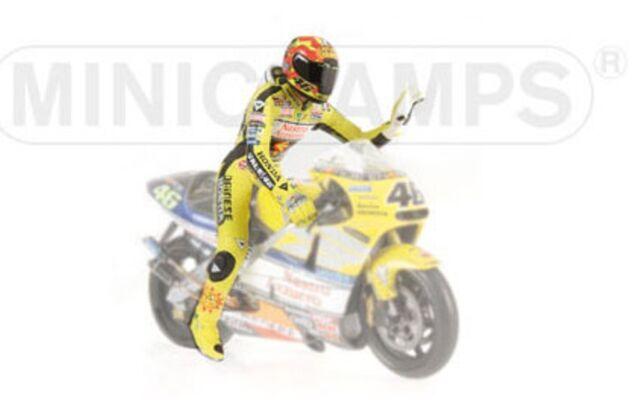 MINICHAMPS 010046 sitting figure Valentino Rossi 500cc GP World Champion 1:12th