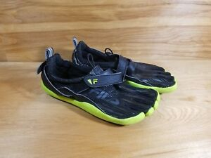 44a728ec272 Image is loading FILA-SKELE-TOES-2-Shoes-Black-Yellow-Mens-