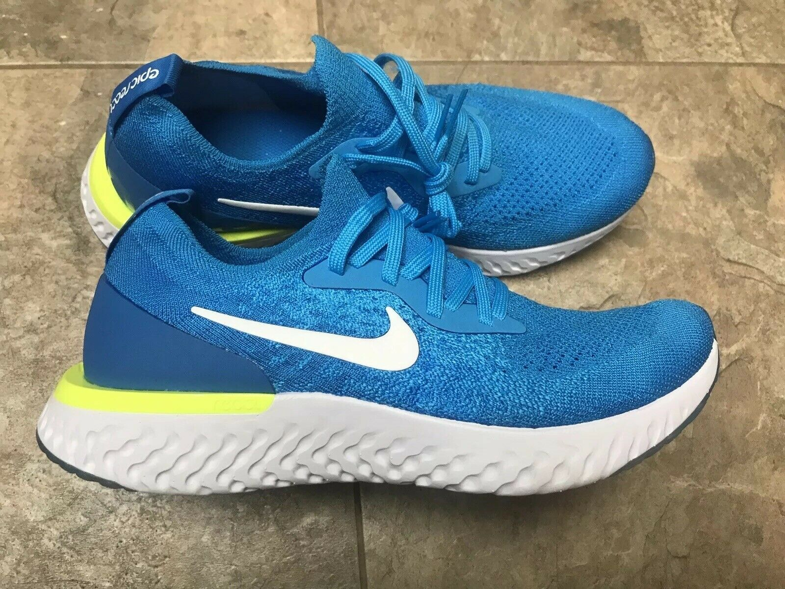 best authentic f5f21 834e6 Nike Epic React Flyknit Green Abyss White-bluee Force Mens Size 7 AQ0067-302