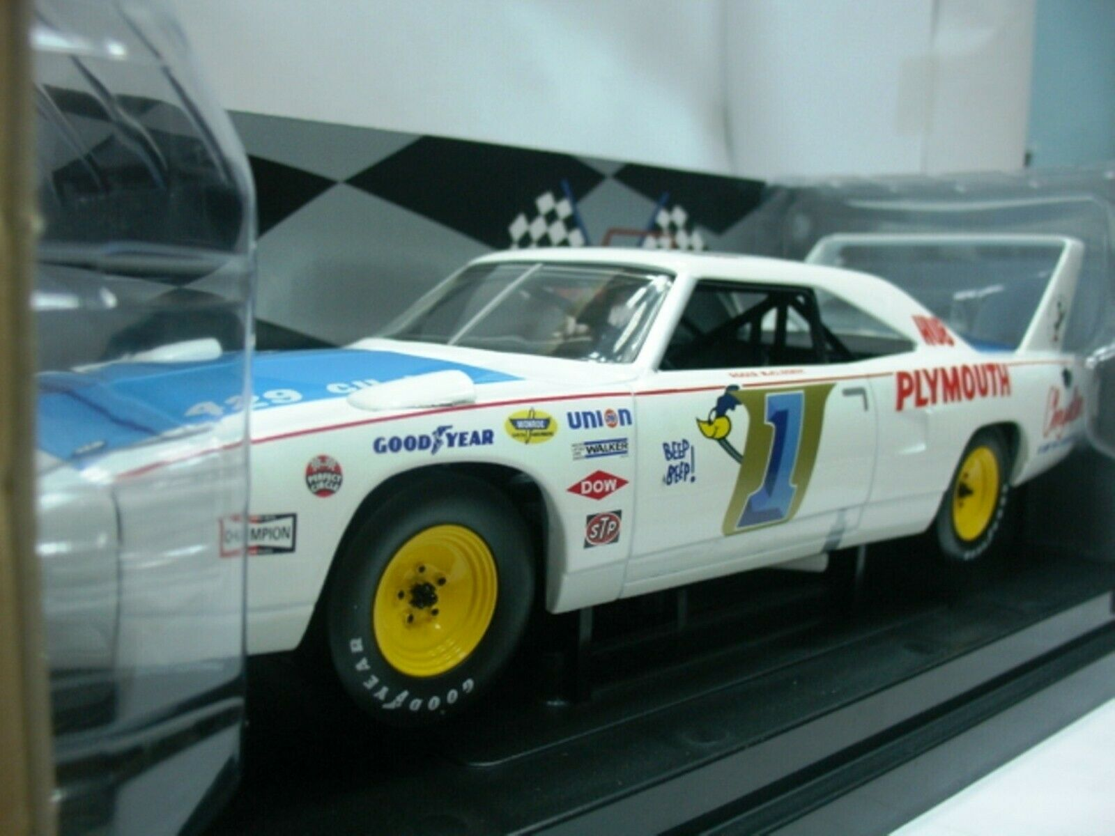 WOW EXTREMELY RARE Plymouth Superbird McCluskey Champion USAC 1970 1 18 RC2 ERTL