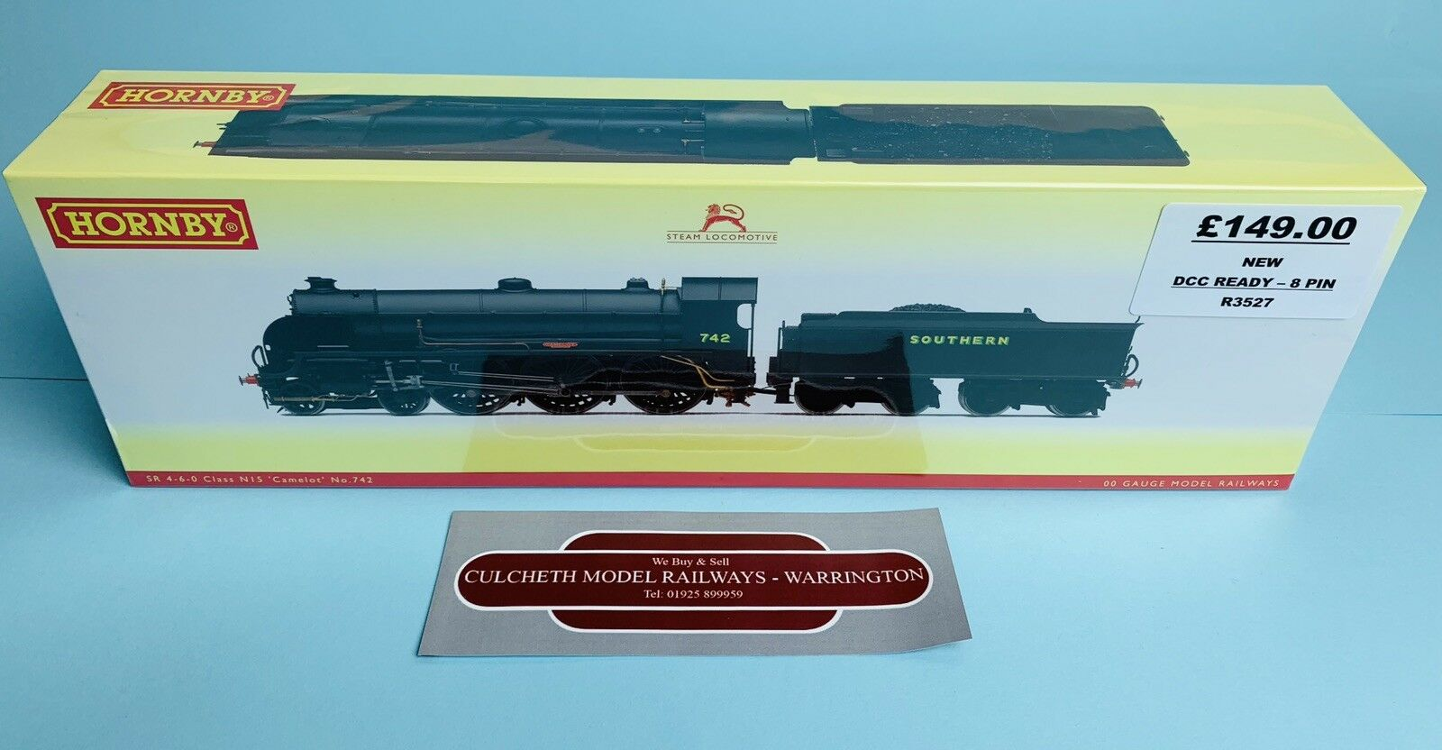 HORNBY 'OO' R3527 SR CLASS N15 'CAMELOT' NO.742 LOCO NEW BOXED