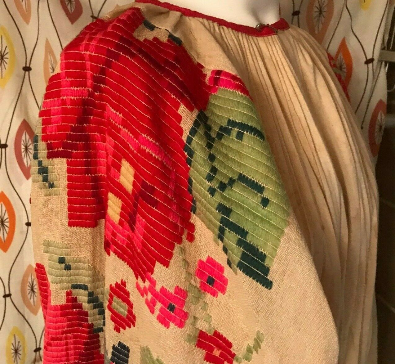 VINTAGE HUNGARIAN FOLK BLOUSE~Embroidered Linen P… - image 1