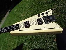 Steinberger Newburgh USA XP-2 Bass Guitar White Headless Active EMG Pickups