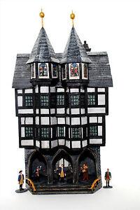 Rathaus-Kaltenburg-Fachwerk-2386-zu-7cm-Sammelfiguren-Fertigmodell-in-Compo