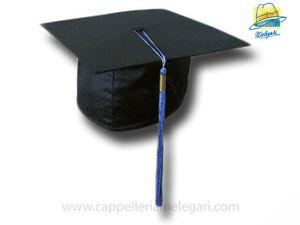 Caricamento dell immagine in corso cappello-da-laurea-034-tocco-034-tesi-di- 7ac0d933166e