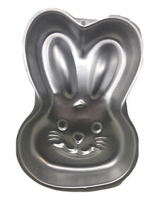 Wilton-Bunny-Cake-Pan-Easter-Rabbit-Face-2003-Cake-Decorating-2105-2074-Used