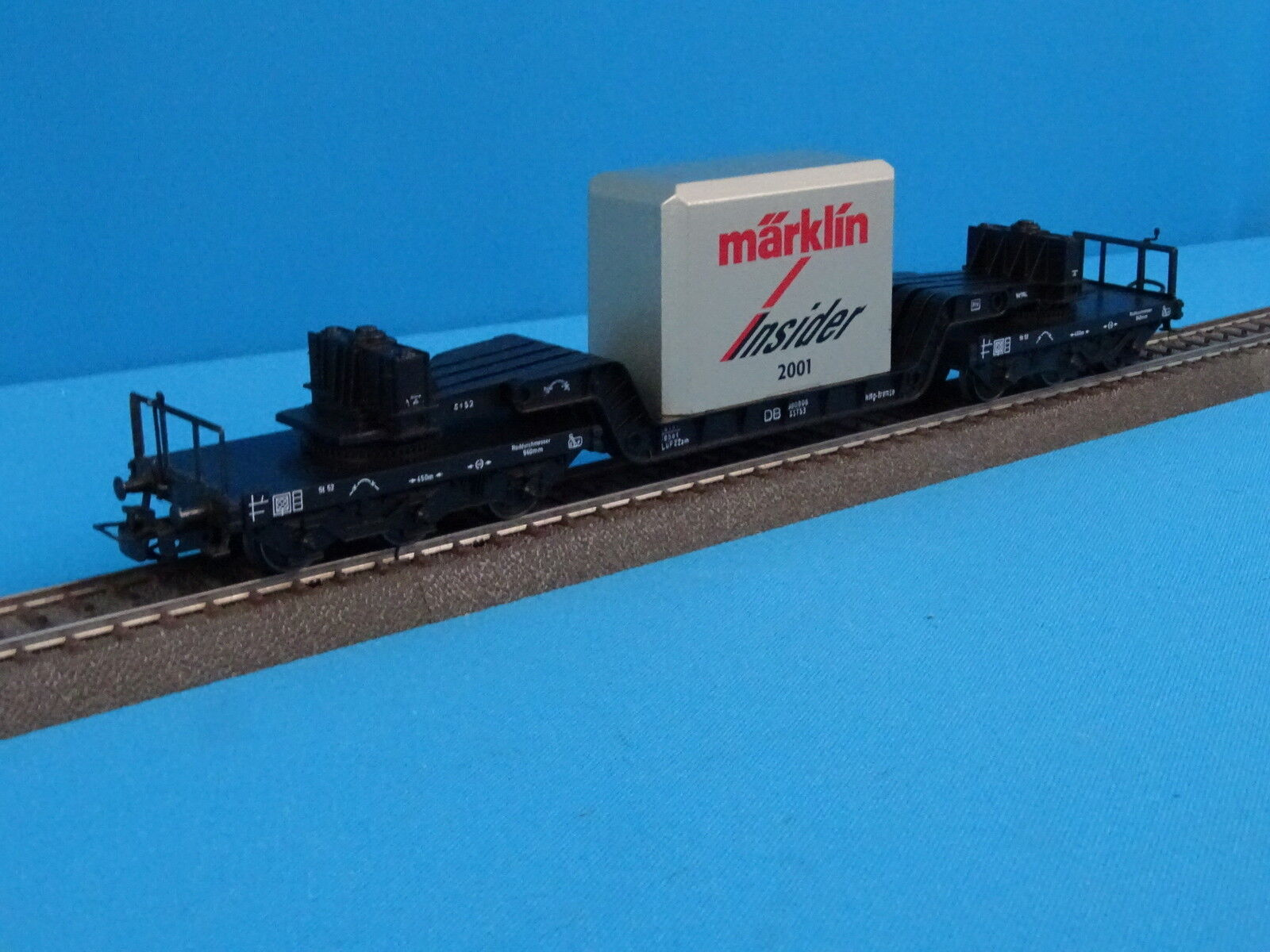 Marklin 46181  Well Wagon with Cast Metal blocl Load