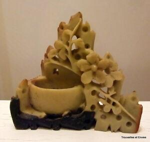 Petit-vase-a-decor-vegetal-en-pierre-de-larre-bicolore-Asie-hauteur-8-8cm