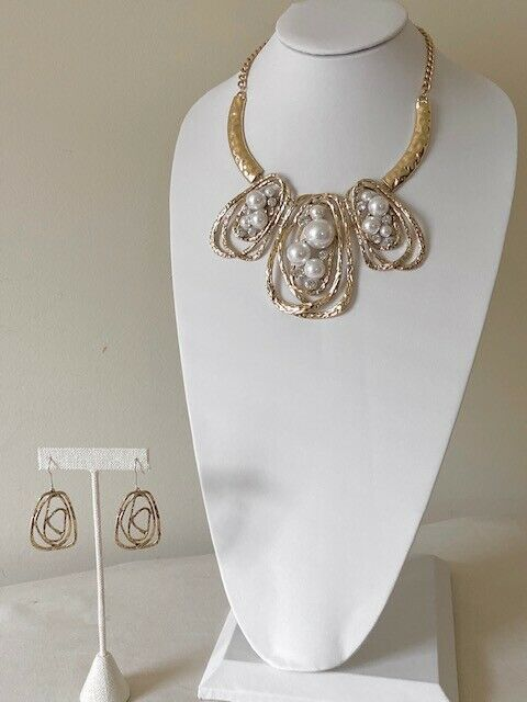 Pearl Gold Statement Necklace Set