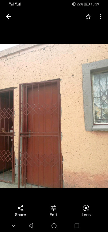 Rooms available in Seshego Zone 3 for R700