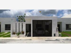 Casa en Venta en Fraccionamiento Las Americas III